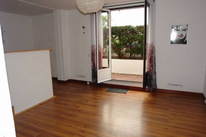 location appartements hendaye studio avec terrasse